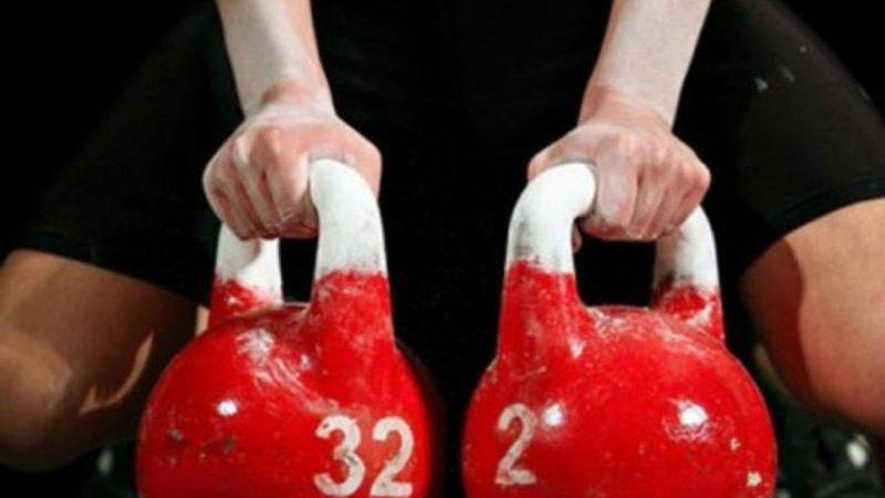 В Великих Луках проходит набор на занятия пауэрлифтингом и гиревым спортом.