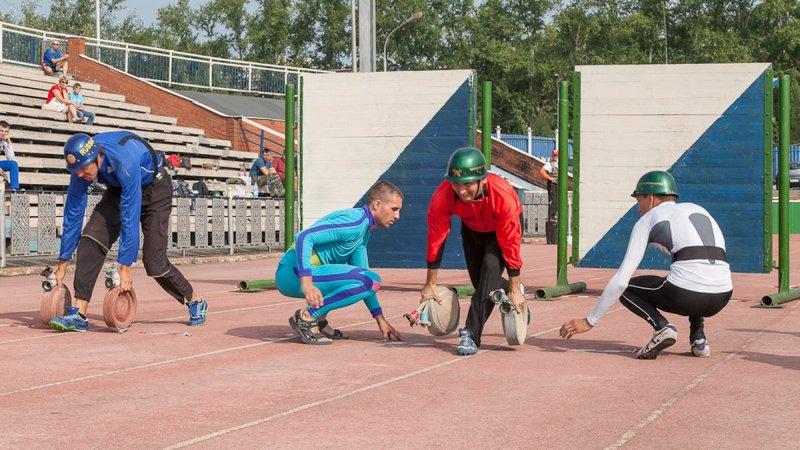 Тагильские пожарные определили лучших в соревнованиях по гиревому спорту